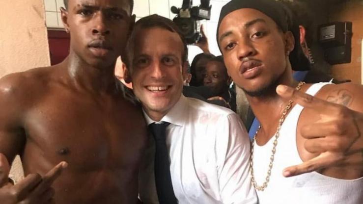 Macron saint martin doigt d'honneur